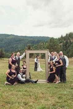 Foto testimoni e damigelle con gli sposi