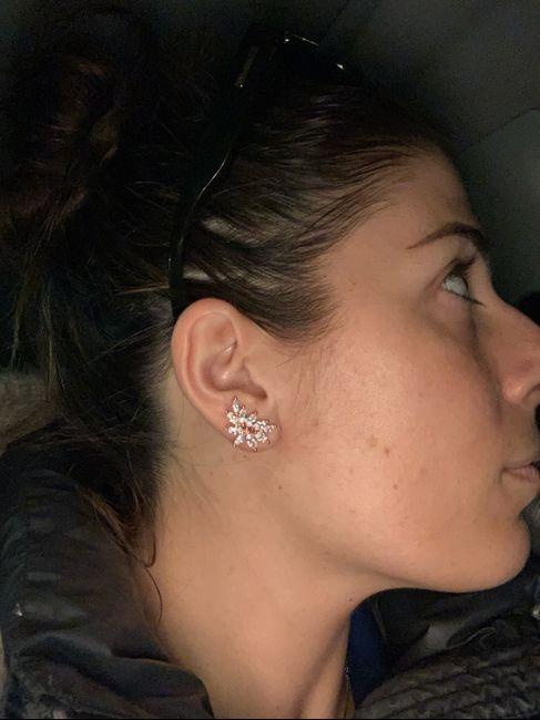 2 tipologie di orecchini completamente diverse...😩 Quali? 5