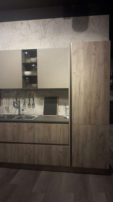 Giornata proficua... cucina, camera da letto e parete attrezzata ...