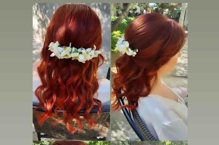 Come sistemare i fiori sui capelli - 1
