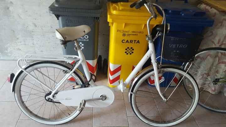 Arrivo al municipio in bicicletta - 1
