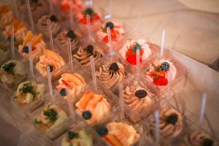 Buffet di dolci al cucchiaio
