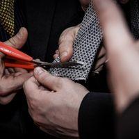 Taglio della cravatta dello sposo
