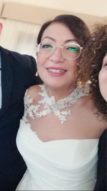 Sposa con occhiali 1
