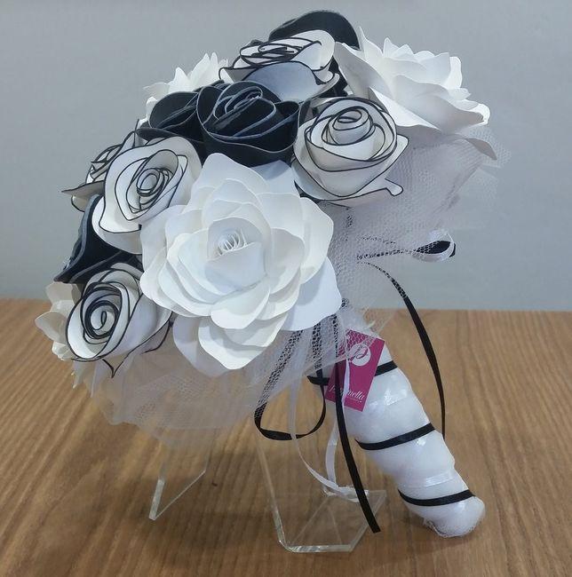 so che è presto ma mi piacciono entrambi...a voi quale piace di più???    colore nozze bianco e nero