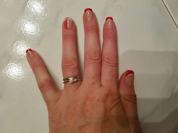 Domani mi sposoooo ecco le mie unghie - 1