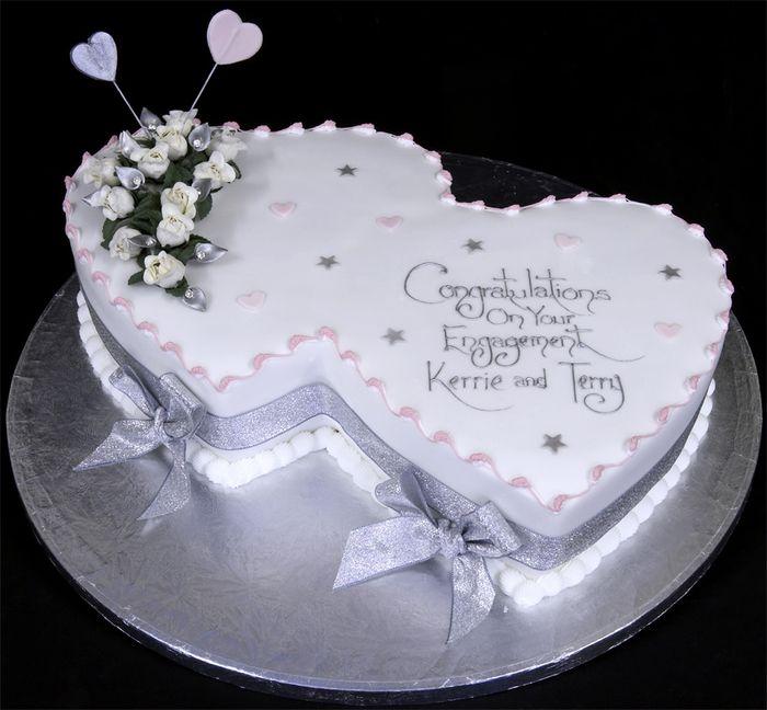 Torta nuziale a forma di cuore per pesciolina - Ricevimento di nozze ...