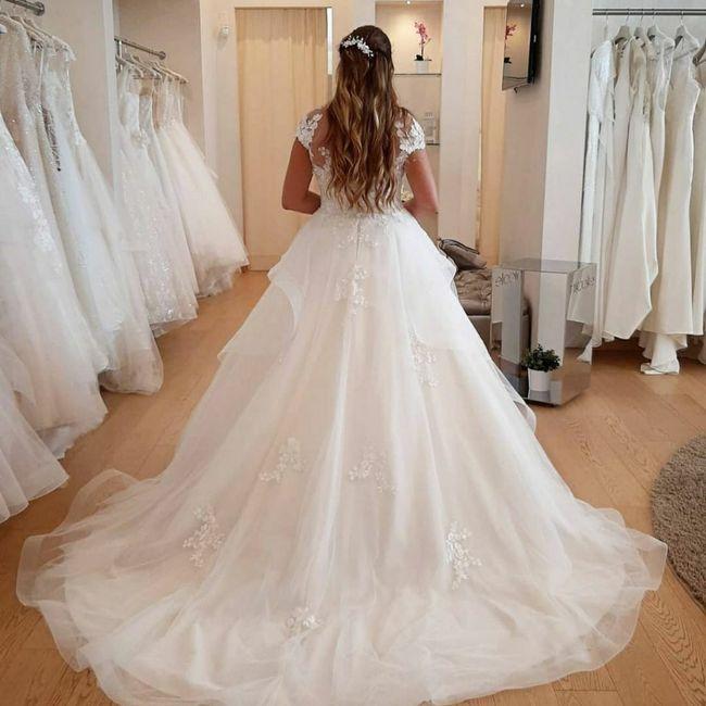 Abiti da sposa a maniche corte oppure più lunghe? 6