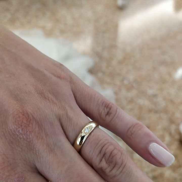 Fede e anello di fidanzamento - 1