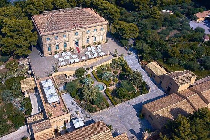 Baglio Regia Corte o Palazzo Villarosa? 3