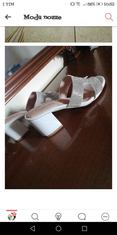Scarpe e vestaglia - 1