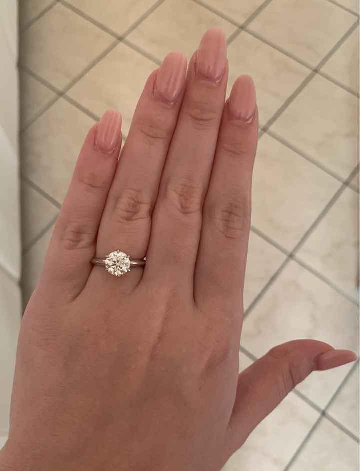 """Voi avete l'anello di fidanzamento di marca oppure avete preferito un anello """"normale""""? - 1"""