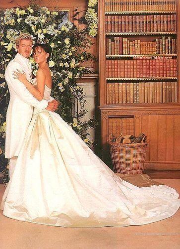 Abito da sposo bianco. Vi piace? 🤵🏻🤍 2