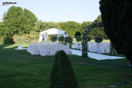 Allestimento rito civile organizzazione matrimonio for Allestimento giardino matrimonio