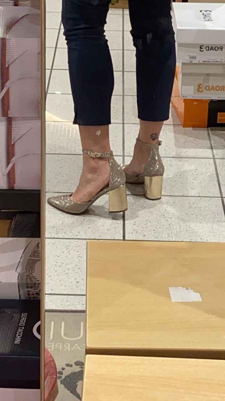 Colore scarpe - 1