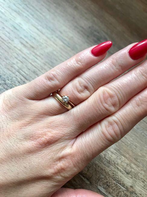 fede nuziale e anello di Fidanzamento. 1