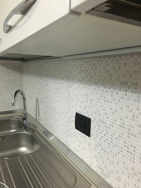 Rivestimento parete cucina p gina 6 vivere insieme - Rivestimento cucina bianca ...