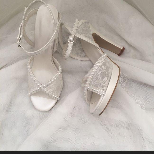 Che scarpe avete indossato?😍 2