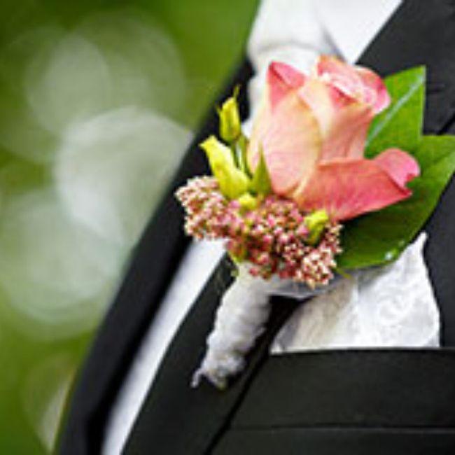Boutonnière🌹: un must per lo sposo 4