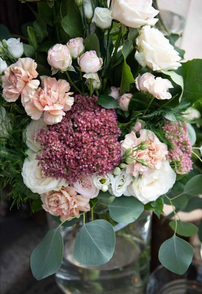 Garofani: fiori da matrimonio o da cimitero? - 2