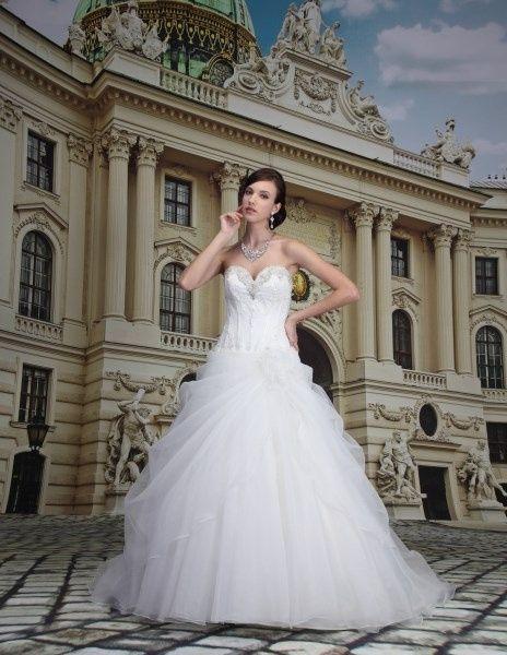 Abiti venus bridal - Organizzazione matrimonio - Forum Matrimonio.com 61aab8b2c49