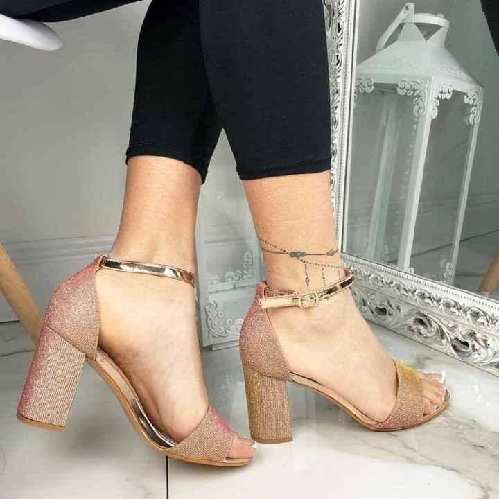 Scarpe...non classiche! - 1