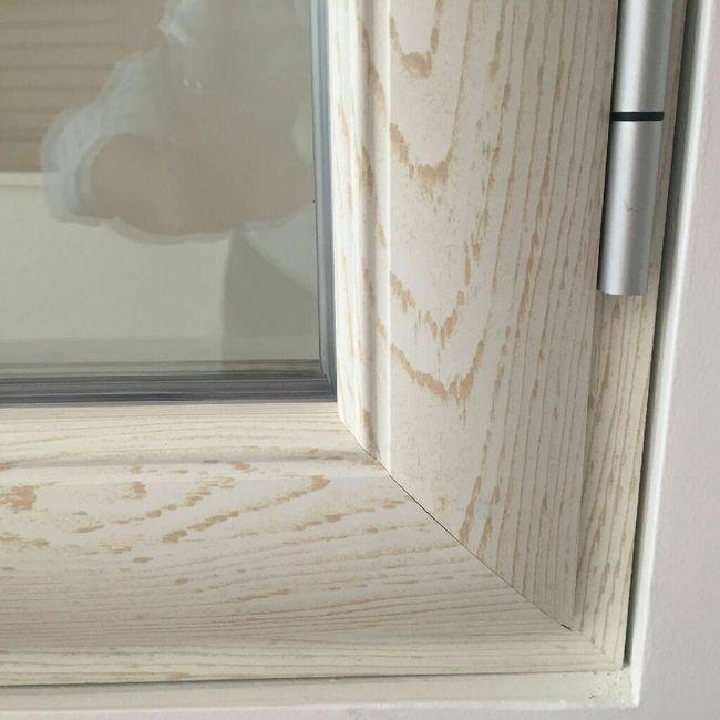Infissi in pvc effetto legno bianco for Infissi pvc legno
