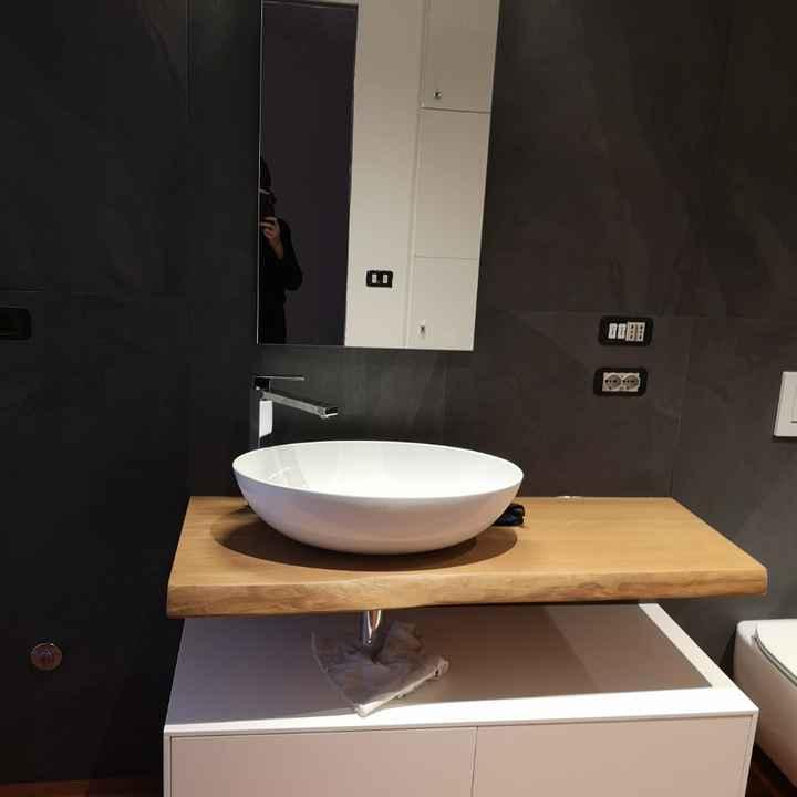 Quanto avete pagato il lavabo del bagno con annesso mobiluccio? Ed il lavatoio? - 1