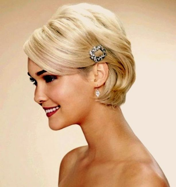 Acconciature capelli media lunghezza per matrimonio – Acconciature ... 61df7a1b006d