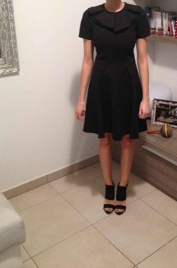 vestito corto al ginocchio