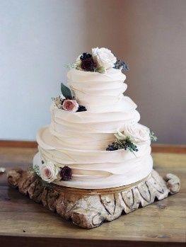 4) 1) Wedding cake