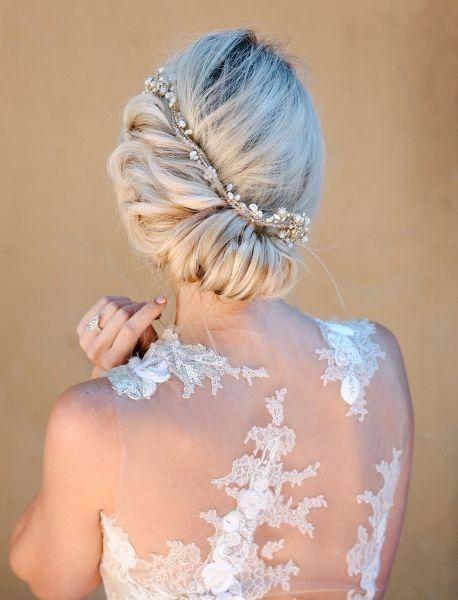 Quale abito da sposa 2018 sei  - Accessori per capelli - Moda nozze ... 140e4a1e76b