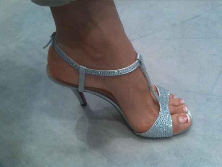 Alla ricerca delle scarpe perdute... - 1