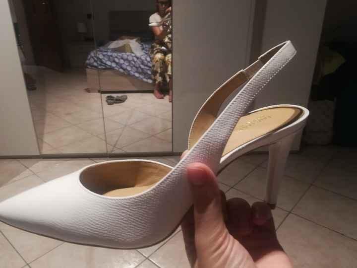 Scarpe: bianche o colorate? - 3