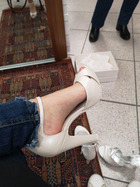 Le scarpe giuste, al momento sbagliato 😂 (topic divertente) 1