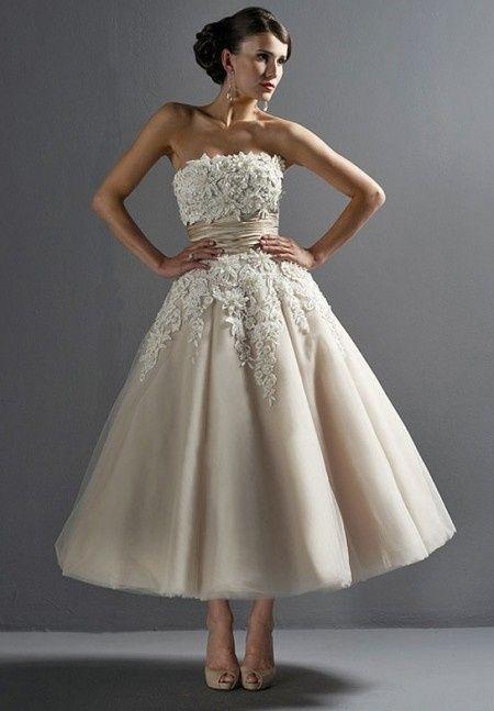 purchase cheap b6448 7b90f Abito da sposa corto anni '50 per un matrimonio vintage ...