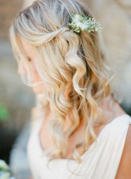 Matrimonio Country Chic Torino : 20 acconciature con fiori per spose romantiche shabby e country