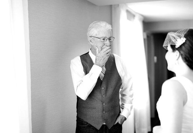 10 emocionantes reacciones del padre de la novia ante el first look 1