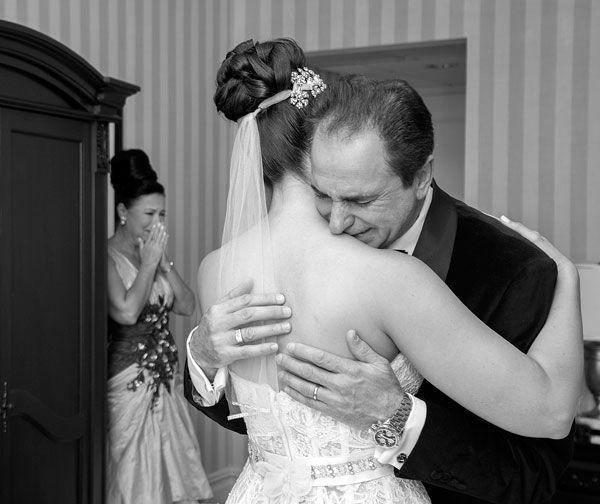 10 emocionantes reacciones del padre de la novia ante el first look 2
