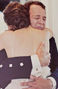10 emocionantes reacciones del padre de la novia ante el first look 7