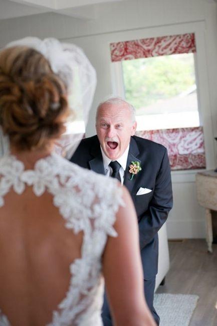 10 emocionantes reacciones del padre de la novia ante el first look 10