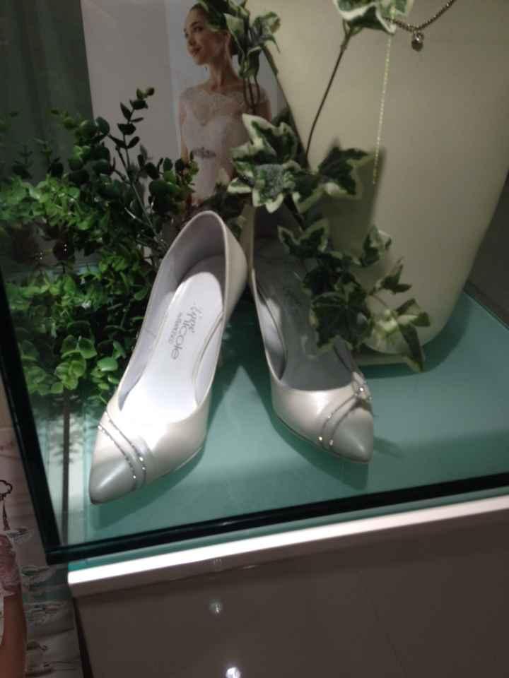 Mostratemi le vostre......scarpe & acconciatura! - 1