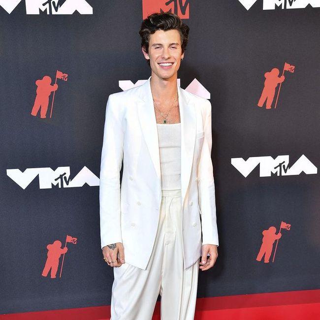 I look più memorabili degli MTV VMAs 2021: vota il tuo preferito! 5