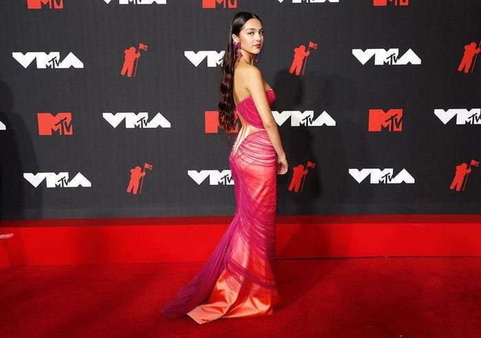 I look più memorabili degli MTV VMAs 2021: vota il tuo preferito! 11