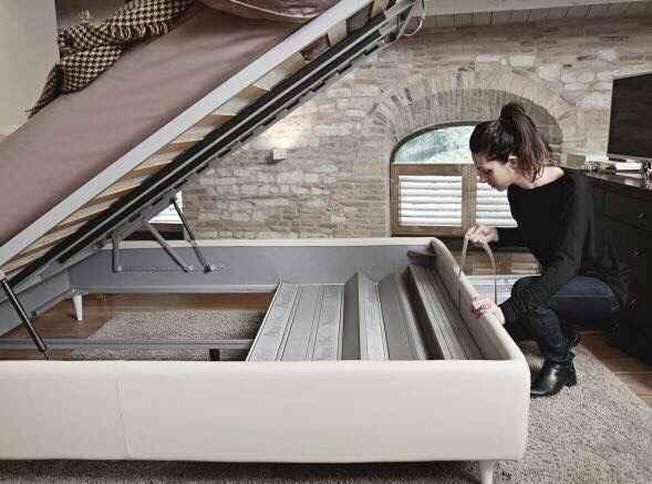 Pulire sotto il letto contenitore - 1