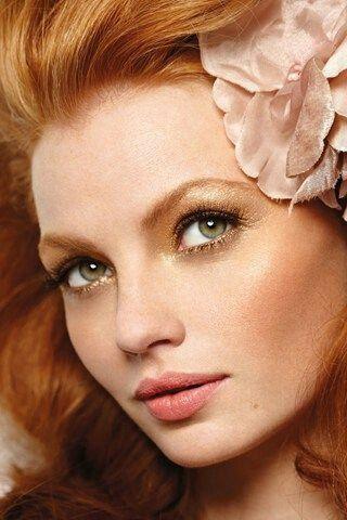 Trucco sposa capelli rossi e occhi verdi , 1