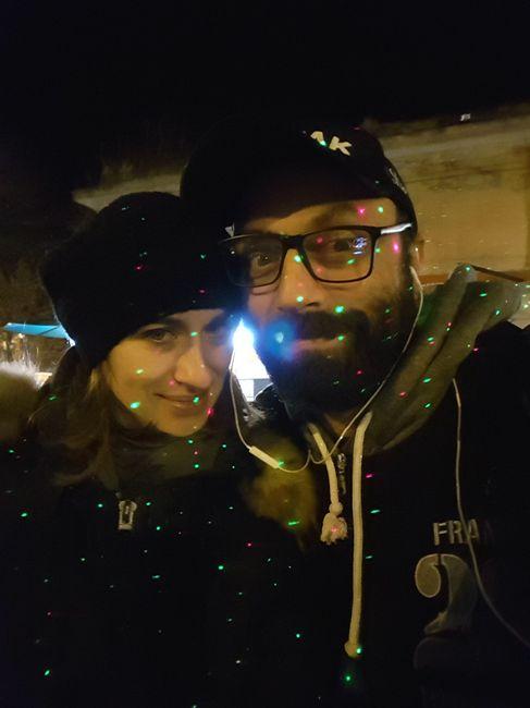 Eccoci, illuminati dalle lucine di Natale!
