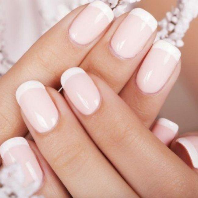 Che tipologia di manicure/pedicure sceglierete per il grande giorno? 👰♀️ 💅 1