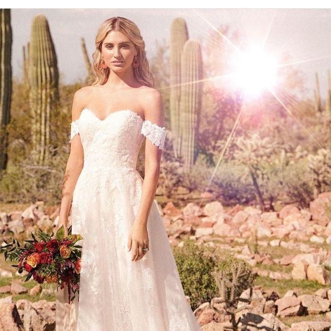Come la preferite la gonna del vostro abito da sposa? Ricamata oppure semplice? 4