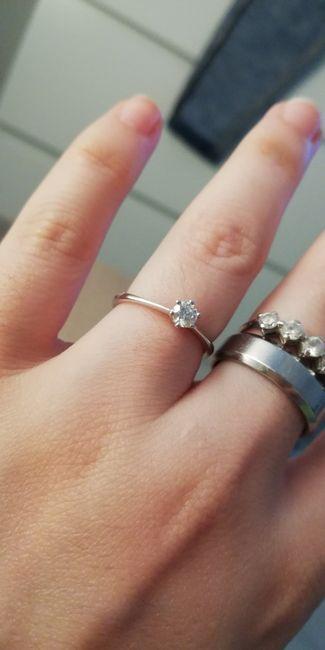 E ora mostraci una foto del tuo anello di fidanzamento! 4
